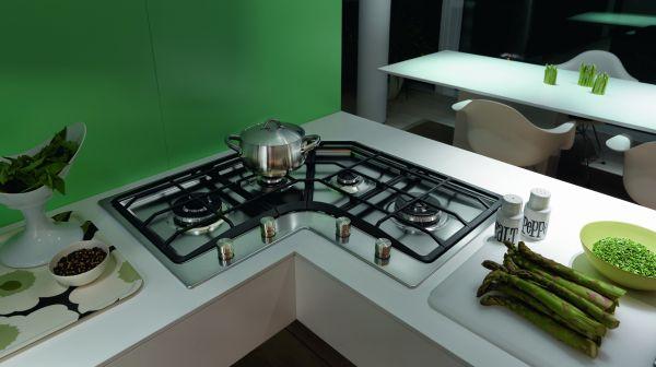 Niestandardowe wymiary kuchni: narożna płyta kuchenna