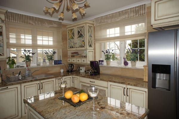 Jakie okna wybrać do kuchni i łazienki?