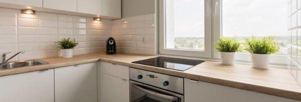 Czy do kuchni i łazienki muszą być specjalne okna?